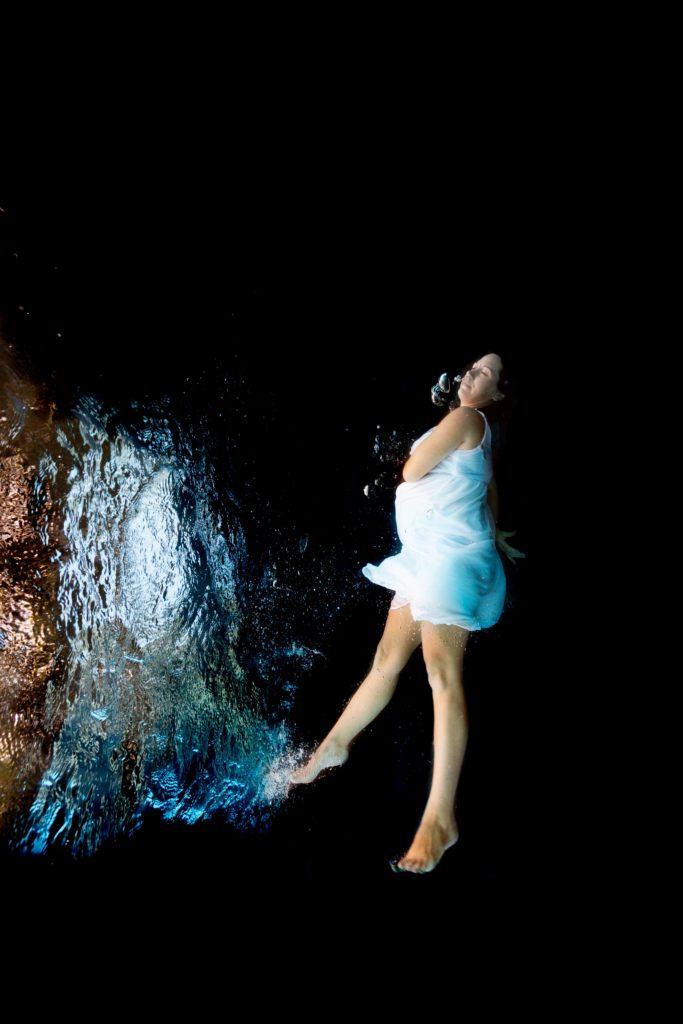 photographe grossesse aquatique