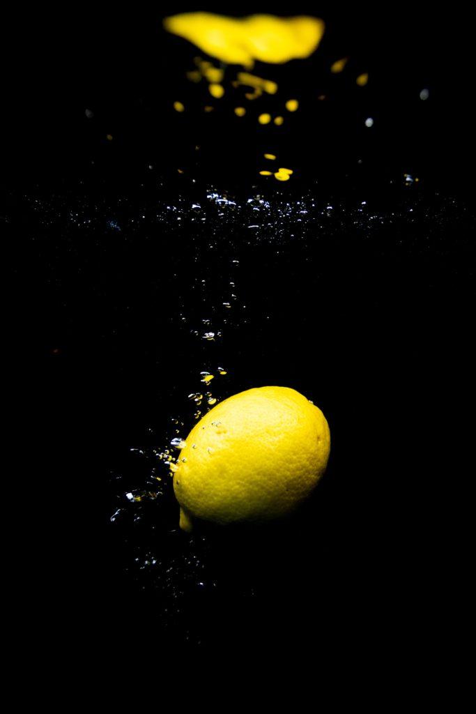 Fruit dans l'eau