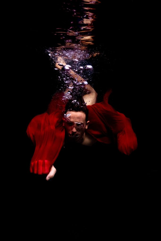 underwater portrait photoshoot