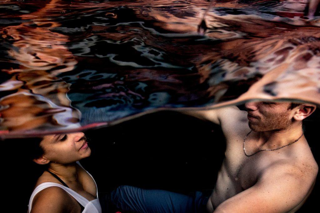 underwater couple photoshoot